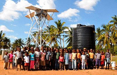 Установка сконструирована специально для бедных стран Африки,  но может работать в любом регионе, где много солнечных дней в году.