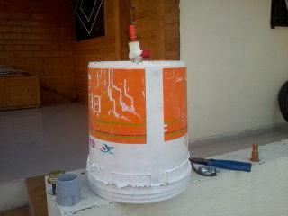 Резервуар для сбора биогаза делаем из банки из-под краски